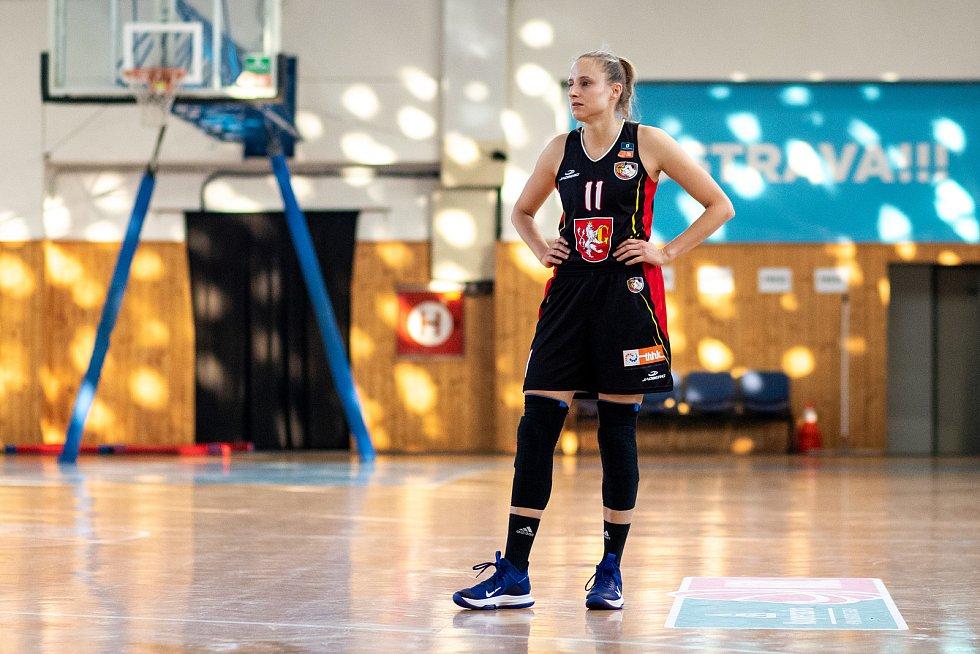 Utkání 12. kola Ženské basketbalové ligy: SBŠ Ostrava - Sokol Hradec Králové, 3. ledna 2021 v Ostravě. Kristýna Čuperková z Hradce Králové.