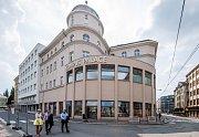 Kampusu Palace na Smetanově náměstí.