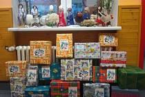 Stalo se milou tradicí, že se každoročně v adventním čase žáci Základní a mateřské školy Ostrčilova zapojují do některé z charitativních akcí.