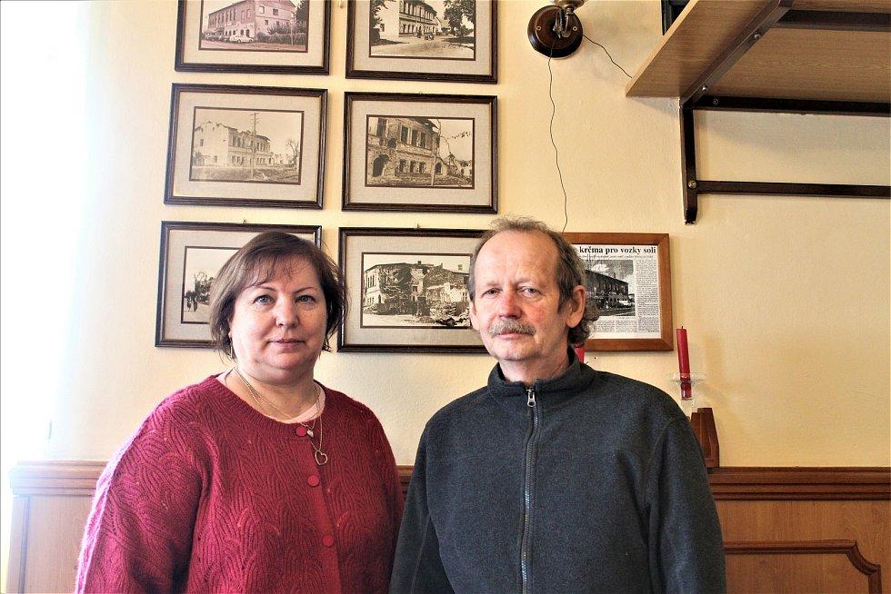 Majitelé restaurace U Zlatého lva Jana a Jaroslav Křibkovi.