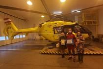 Výrobky žáků byly rozděleny mezi pracovníky letecké záchranné služby Ostrava a dva domovy s pečovatelskou službou.