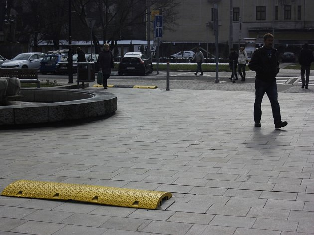 Retardéry na náměstí Dr. E. Beneše v Ostravě jsou pouze dočasné.