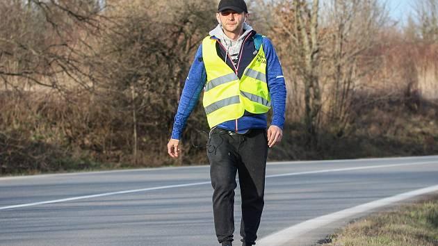 Cesta pěšky z polských Myslowic do San Marina.Pochod, aby mohl získat peníze na nákladnou rehabilitaci pro svého syna, který trpí autismem.
