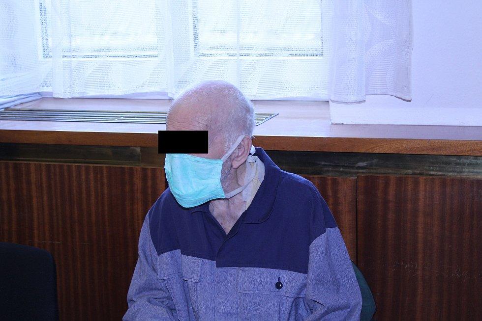 Soud muže poslal do vězení na osm let.
