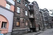 Mezi domy, které jsou do revitalizace začleněny, jsou i ty na Štramberské ulici.