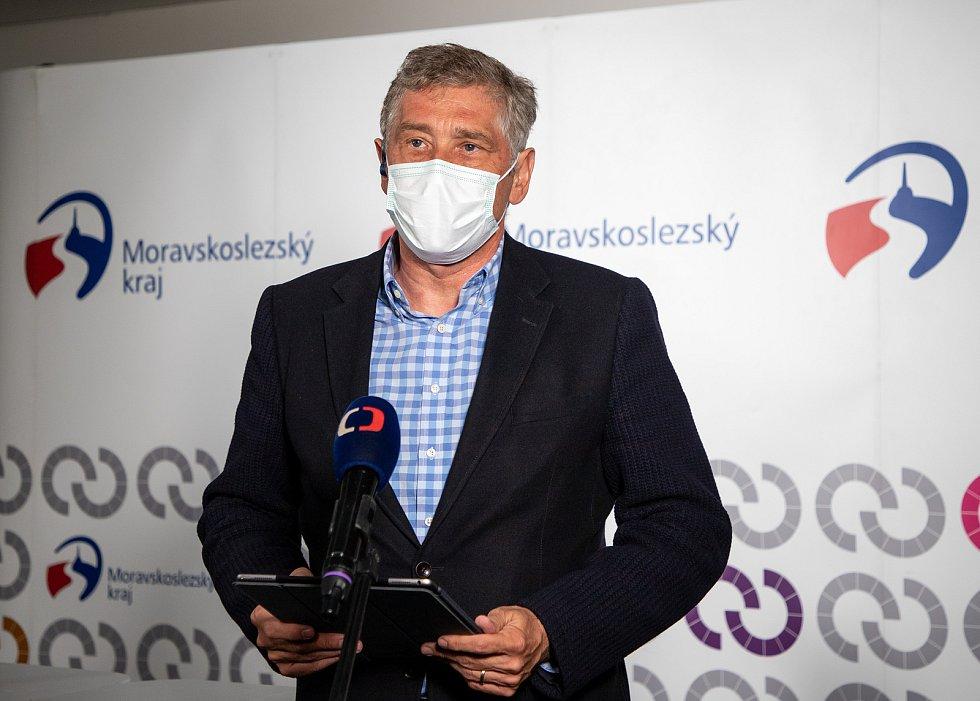 Ivo Vondrák na tiskové konferenci po krajských volbách, 4. října 2020 v Ostravě.