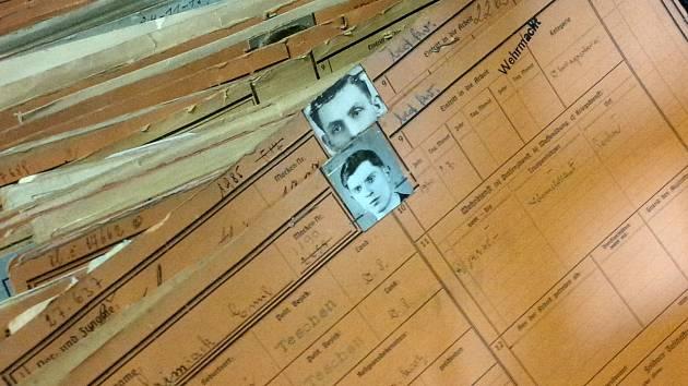 Odchody, pohledy do sešitů napoví, kdo a kterou šachty opustil v letech 1928 až 1939 či 1940 až 1945.