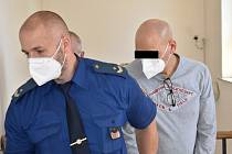 Jozef P. (na snímku z jednání u ostravského soudu) stráví ve vězení jedenáct let.