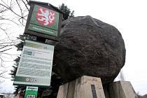 Zatím největší známý bludný balvan se nachází ve Vratimovské ulici v Kunčicích. Je umístěn na podstavci z betonu nedaleko Jižní brány ArcelorMittalu.