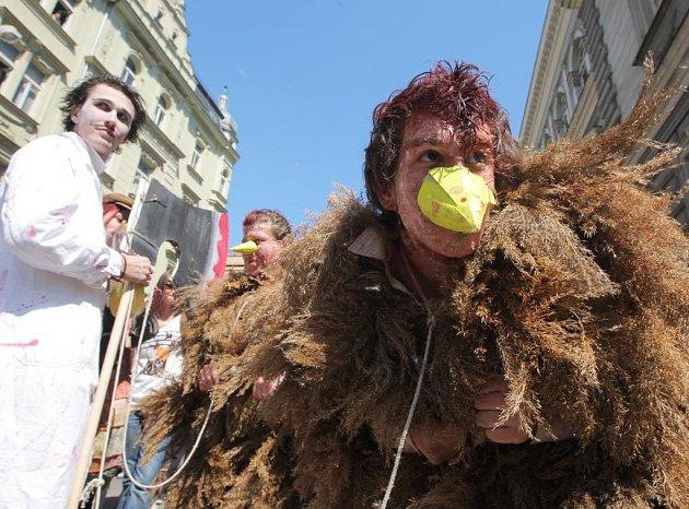 Majáles Ostravské univerzity také letos ozdobily roztodivné masky