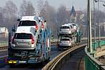 Občané obou Těšínů mohou vstoupit do Schengenu společně na hraničním mostě. Slavnostní akt tam propukne hodinu před půlnocí 20. prosince.