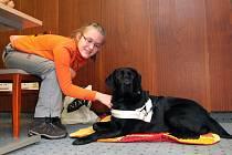 Bolls – tak se jmenuje asistenční a vodicí pes, který pomáhá patnáctileté Barborce Chalupové z Pražma na Frýdecko-Místecku