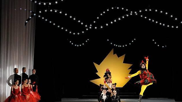 Balet Louskáček oslovuje děti i dospělé.