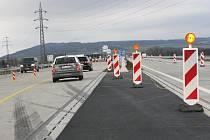 Srovnali jsme cestu mezi Ostravou a Olomoucí po nové dálnici a po původní cestě přes Příbor. První varianta je nejen rychlejší, ale i příjemnější.