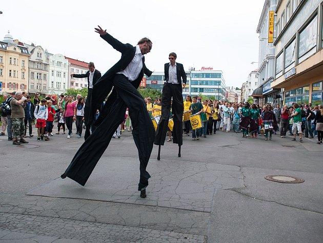 Festival v ulicích. Ilustrační foto