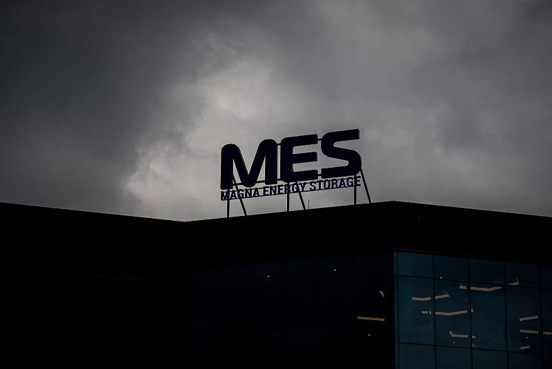 Společnost Magna Energy Storage (MES) otevřela v průmyslové zóně po bývalém černouhelném Dole František v Horní Suché továrnu na výrobu vysokoenergetických akumulátorů HE3DA. Ilustrační foto.