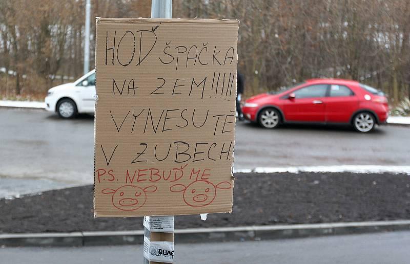Depo v průmyslové zóně Nad Porubkou v Ostravě-Porubě, odkud Zásilkovna nejen vypravuje, ale také tady přijímá a vydává balíky.