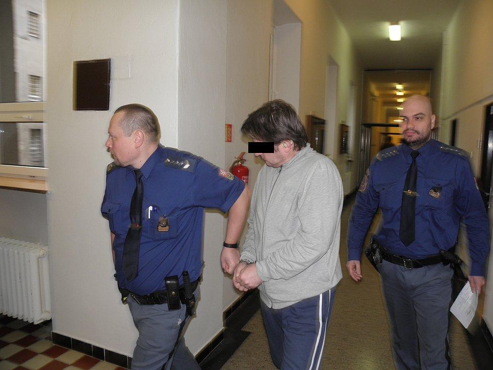 Pokud soud povolí obnovu procesu, hrozí Radimu V. až deset let vězení.