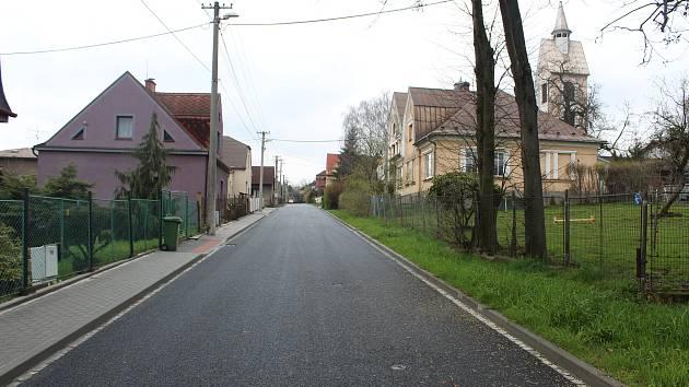 Zrekonstruovaná infrastruktura ve čtvrti s rodinnou zástavbou v Radvanicích.