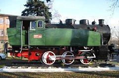 """Náhradní díly z """"Mašinky"""", která jezdila v kunčické huti, pomohou při opravě lokomotivy jezdící na Osoblažské úzkokolejce."""