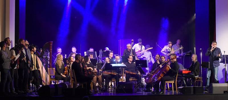 Rudy Horvat nepracuje pouze s kapelami, ale i s orchestrálními tělesy