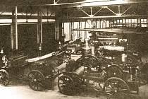 Vlastní hasičské sbory měly už v minulosti i velké firmy. Na snímku je například hasičská ústředna Vítkovických železáren v roce 1914.