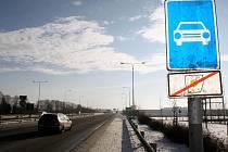 Místecká ulice v Ostravě, počátek placeného úseku dálnice