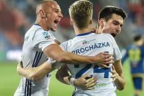 JE TO TAM. V pátek se fotbalisté Baníku Ostrava radovali ze tří branek a prvního jarního vítězství. Jaké pocity budou zažívat dnes večer po konci utkání proti Plzni?