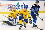 Mistrovství světa hokejistů do 20 let, zápas o 3. místo: Švédsko - Finsko, 5. ledna 2020 v Ostravě. Na snímku (zleva) brankář Švédska Hugo Alnefelt (SWE), Mattias Norlinder (SWE), Patrik Puistola (FIN).