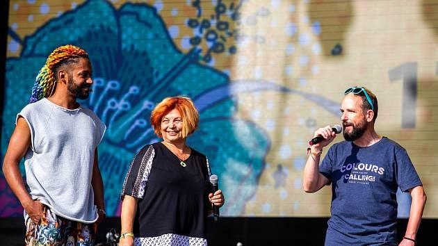 Hudební festival Colours of Ostrava 2019 v Dolní oblasti Vítkovice, 17. července 2019 v Ostravě. Na snímku Yemi, Zlata Holušová a Tomáš Macura.