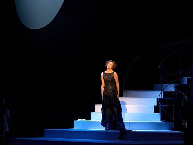 Martina Šnytová jako Fanny Briceová v muzikálu Funny Girl.
