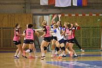 První domácí zápas MOL ligy házenkářkám Poruby nevyšel, Písku podlehly o jediný gól 29:30.