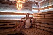 K sauně v ostravské Čapkárně patří příjemné prostředí recepce, ochlazovací bazén, odpočívárna či další relaxační procedury.
