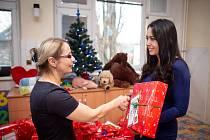 Předání dárků DC Domeček.