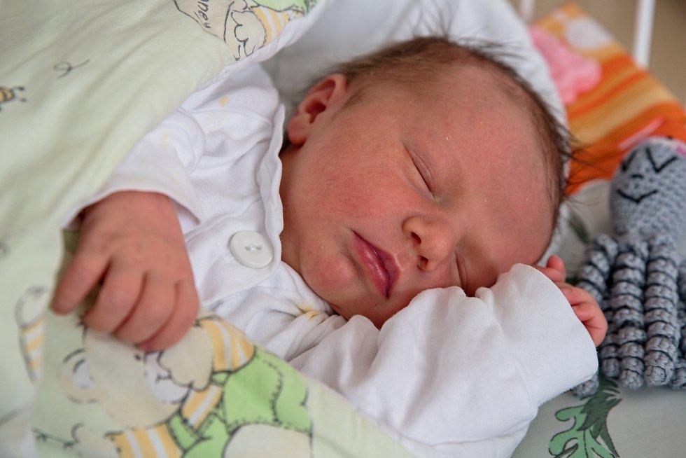 Hanna Płonka z Jastrzebie-Zdrój, PL, narozena 16. dubna 2021 v Karviné, míra 49 cm, váha 3400 g. Foto: Marek Běhan