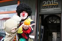 Do Staré Arény na ostravském Masarykově náměstí se ve středu odpoledne v rámci kandidatury moravskoslezské metropole na titul Evropské hlavní město kultury 2015 vrátil život.
