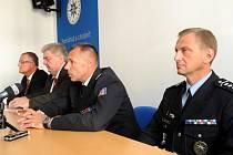 Zástupci moravskoslezské policie, kraje a města na tiskové besedě informovali o sobotních opatřeních.
