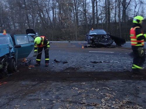 Hromadná nehoda ve Staré Vsi nad Ondřejnicí.