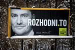 Parlamentní volby na Slovensku, 29. února 2020 v Makově. Billboard politické strany Obyčejní lidé a nezávislé osobnosti (OLaNO) - Igor Matovič.