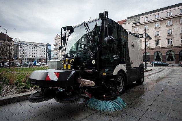 Nový čisticí stroj Methieu v Ostravě.