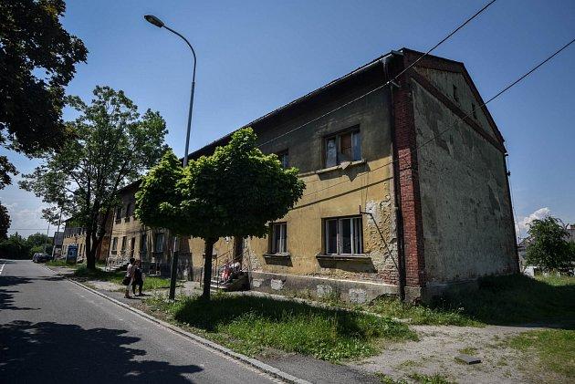 Starousedlíkům na Trnkovci vadí kromě obyvatel Pátovy ulice také lidé z nedaleké Trnkovecké ulice, kde Centrom rovněž působí.