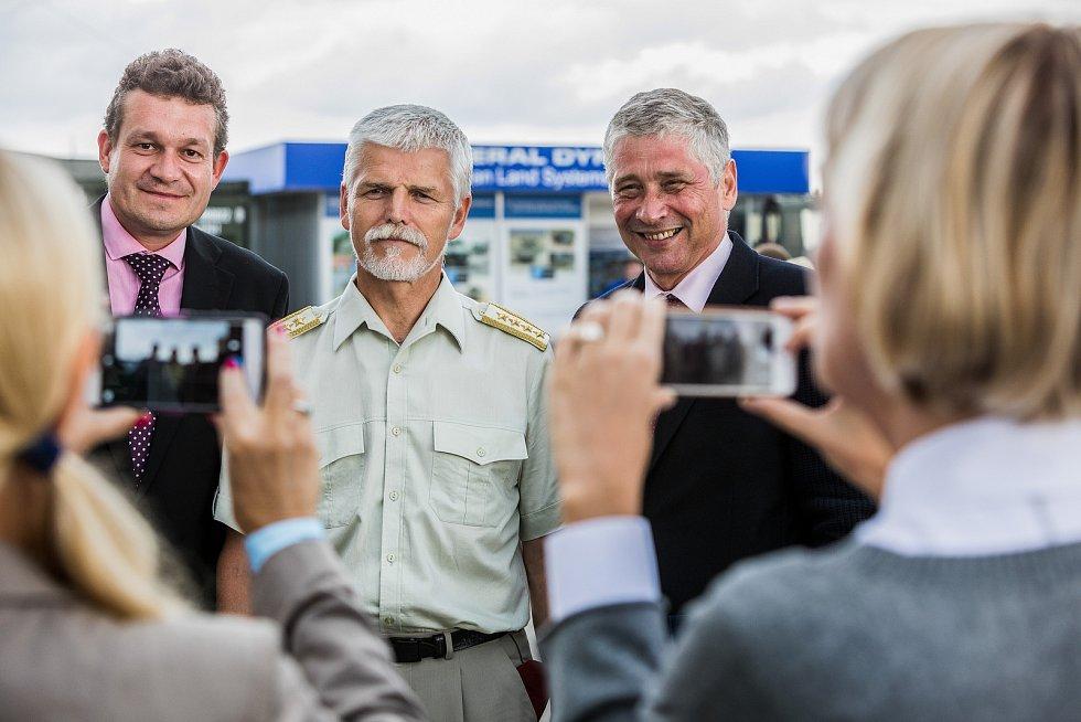 Dny NATO 2018 v Ostravě. Na snímku uprostřed generál Petr Pavel, vpravo hejtman Ivo Vondrák
