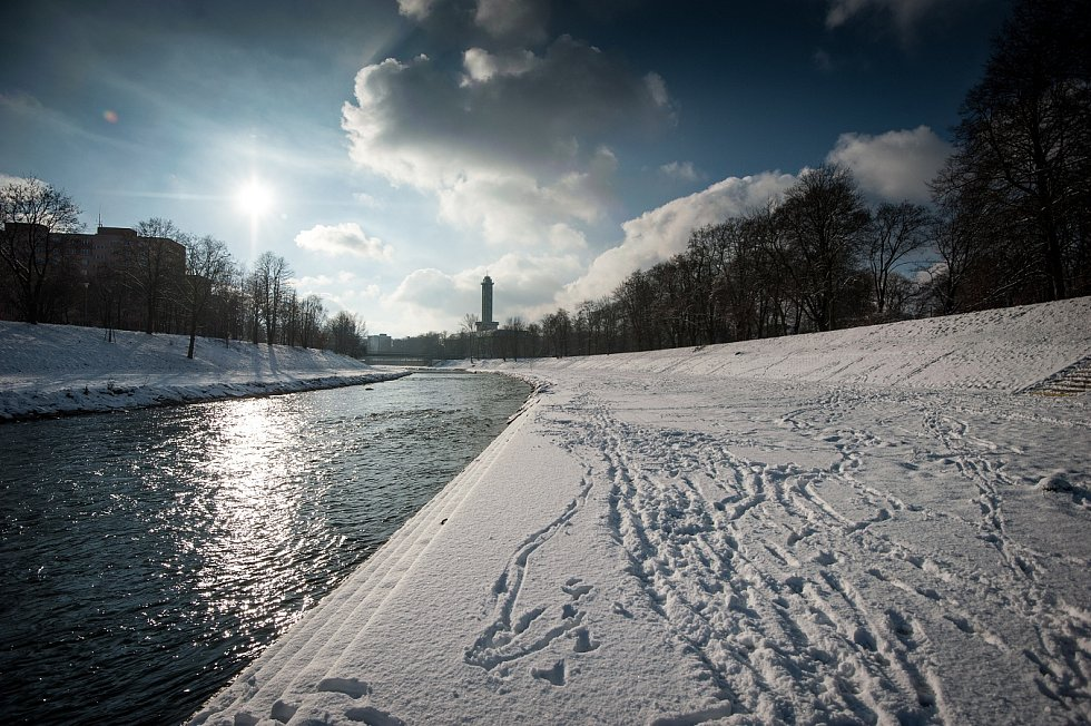 Řeka Ostravice v zimě.