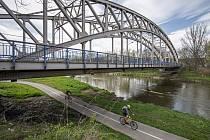 ŘSD připravuje nutnou opravu historicky významného mostu přes řeku Odru na silnici I/56 vedoucí z Ostravy na Hlučín a Opavu, 6. května 2021 v Ostravě.