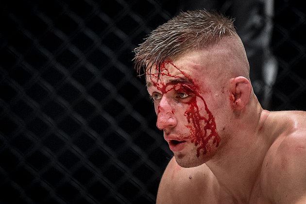 MMA Octagon 11vOstravar aréně, 16.března 2019vOstravě. Na snímku (včerveném) David Kozma proti Samuel Krištofič.