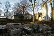 Sokolovna ve Svinově před dvaceti lety lehla popelem. Brzy se ale dočká svého znovuzrození. Na svém původním místě.