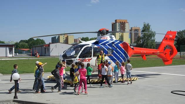 Prohlídka zázemí Zdravotnické záchranné služby v Ostravě.