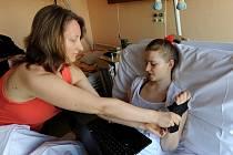 S obrovským odhodláním bojuje se svým osudem šestnáctiletá Dominika Madalová.