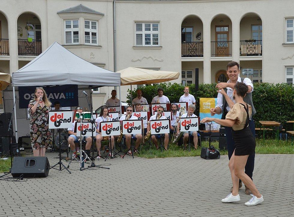 Promenáda v Jubilejní kolonii, Ostrava-Jih, 17. července 2021.
