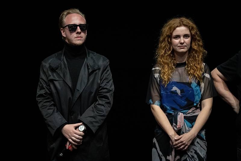 Předpremiéra filmu Shoky a Morthy: Poslední velká akce v ostravském kinu Cinestar, 23. července 2021 v Ostravě. Herec Štěpán Kozub a herečka Martina Babišová.
